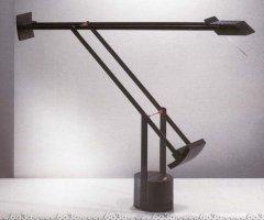 Настольные лампы Artemide Tizio 35 A005010