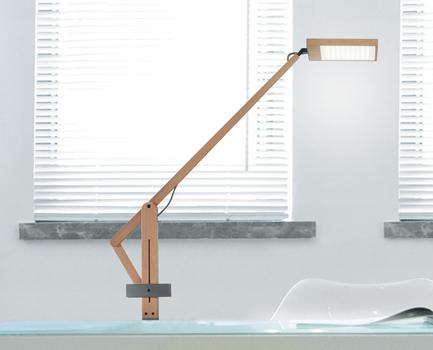 0306067243049 Leucos Studio лампа настольная LEVA, цвет бук/сталь, LED 3000K-9W, IP20, L max. 78