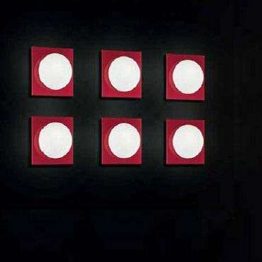 0404045364302 Leucos Studio бра/потолочный светильник Gio 40 P PL, белое/красное стекло, 30x30x1