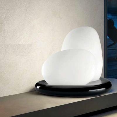0706051563602 Leucos лампа настольная MOAI, стекло белое матовое, 48х57х66см, 2х100W E27, армату