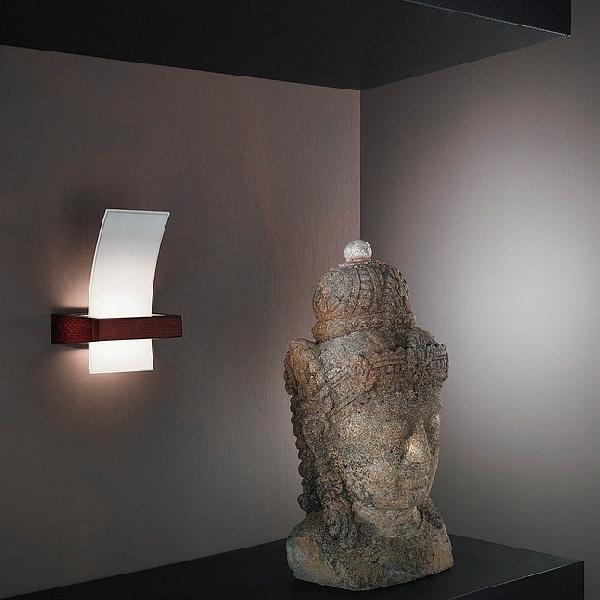 """90119 LineaLight """"Moderncollection"""" бра, белое пескостр стекло, 13х21см, 1хG9 40W, дерево цвета"""