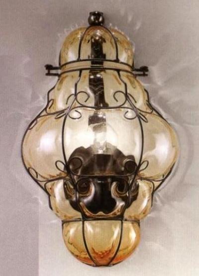 1437 N.O AS Sylcom Бра, стекло-янтарь соммерсо, выс 35, 1х100W, E14, черный матовый металл